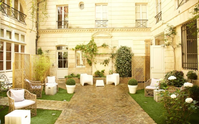 cote-cour-de-lhotel-particulier-bordeaux-064-51525-960x600