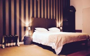 cote-cour-de-lhotel-particulier-bordeaux-073-51550-960x600